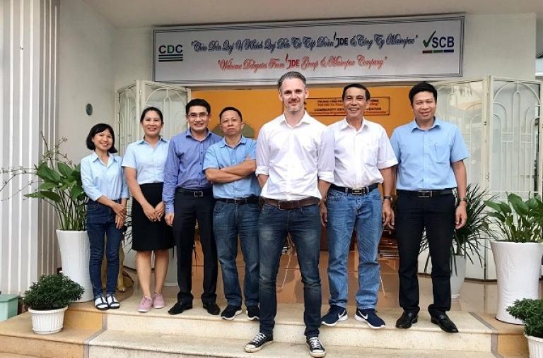 Đại diện Tập Đoàn JDE, Công ty cổ phần Mascopex thăm và làm việc tại Trung Tâm Phát Triển Cộng Đồng
