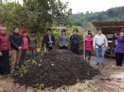 Tập huấn ủ phân hữu cơ vi sinh từ vỏ cà phê tại Tây Bắc