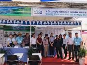 Đoàn Lãnh sự quán Hoa Kỳ tại Tp. Hồ Chí Minh thăm gian hàng CDC